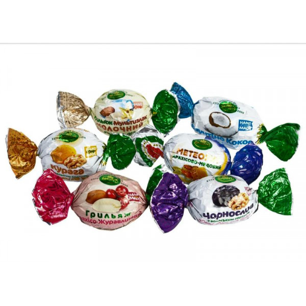Конфеты ассорти в шоколаде из орехов и сухофруктов, 1 кг
